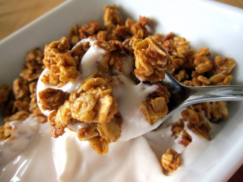 granola-and-greek-yogurt