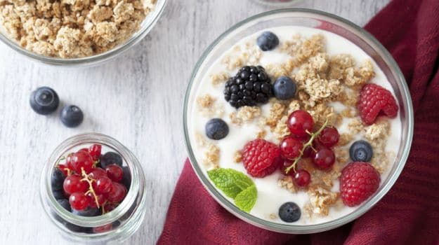 oats meal and fruits